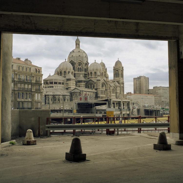 Brigitte Bauer | Euroméditerranée | 2002-2003 | Marseille sans titre n°06, (772-04), 83x83cm FC876 série Euroméditerranée, commande publique 2002-03