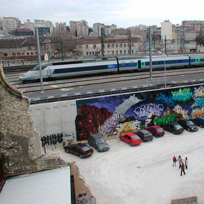 Brigitte Bauer | Euroméditerranée | 2002-2003 | Marseille sans titre n°15, (882-16), 40x40cm FC912 série Euroméditerranée, commande publique 2002-03