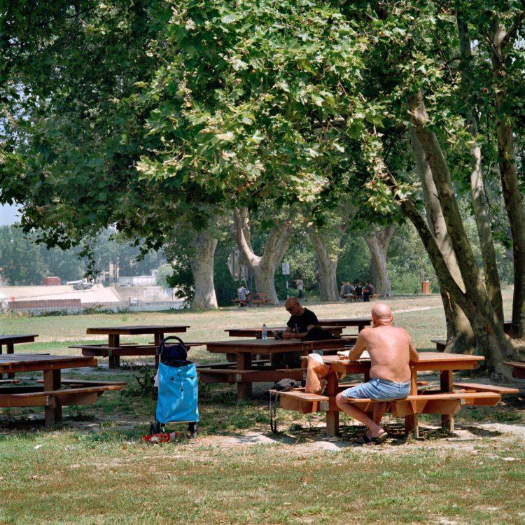 Brigitte Bauer | Aller aux jardins | 2010-2011 | Arles, presqu'île du cirque romain, série Aller aux Jardins 2010-11, réalisée dans le cadre du programme Images Contemporaines/Patrimoine du CG13