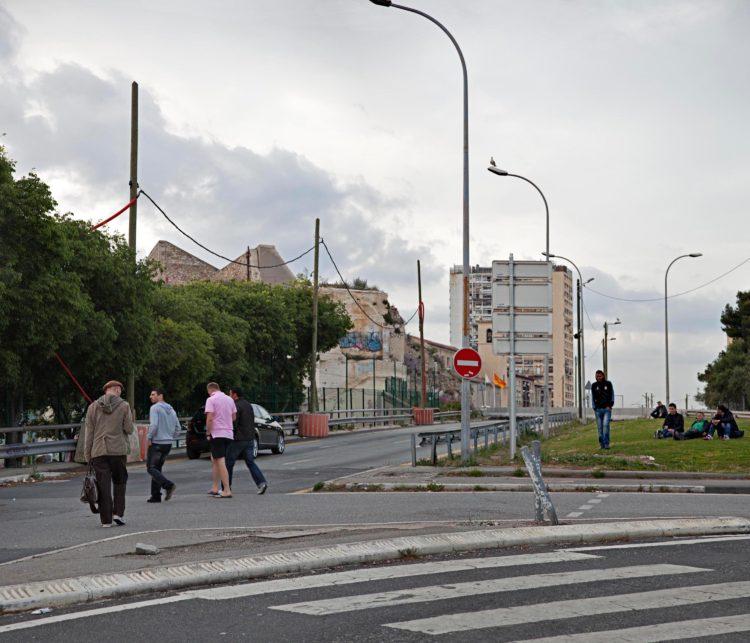 Brigitte Bauer | Aller aux jardins | 2010-2011 | Marseille, square Belsunce, série Aller aux Jardins 2010-11, réalisée dans le cadre du programme Images Contemporaines/Patrimoine du CG13