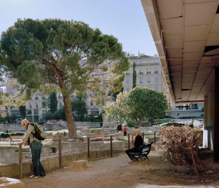 Brigitte Bauer | Aller aux jardins | 2010-2011 | Marseille, jardin des Vestiges, série Aller aux Jardins 2010-11, réalisée dans le cadre du programme Images Contemporaines/Patrimoine du CG13
