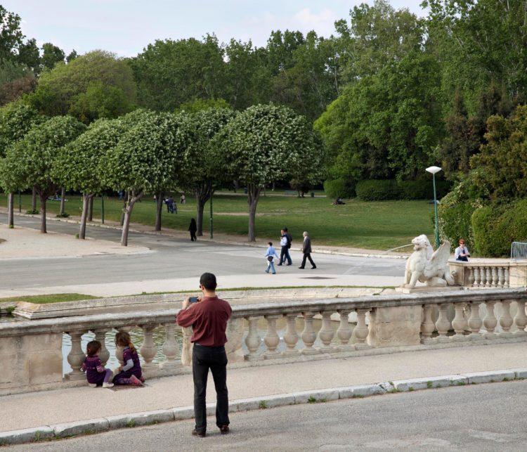 Brigitte Bauer | Aller aux jardins | 2010-2011 | Marseille, parc Borély, série Aller aux Jardins 2010-11, réalisée dans le cadre du programme Images Contemporaines/Patrimoine du CG13
