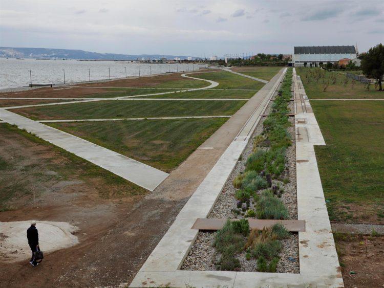 Berre l'Etang, parc Henri Fabre, série Aller aux Jardins 2010-11, réalisée dans le cadre du programme Images Contemporaines/Patrimoine du CG13