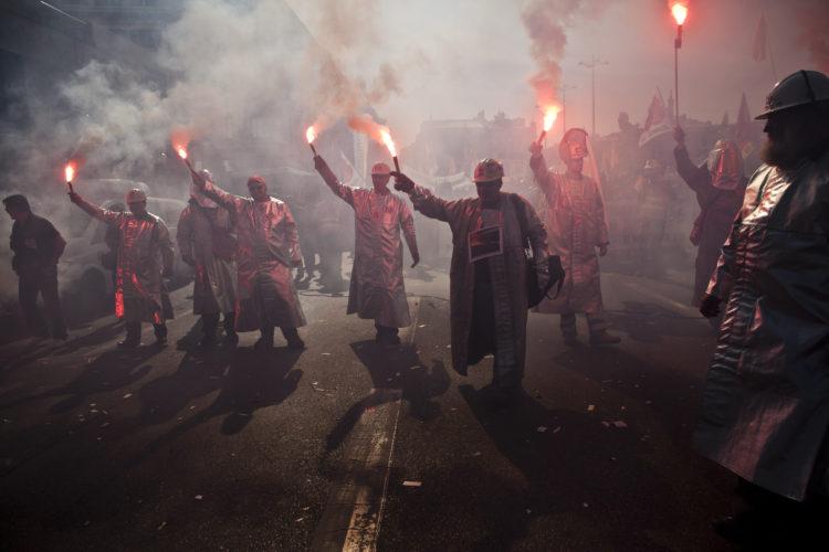 L'équipe 3 de l'Etoile Sportive Fossénne. Manifestation des Métallos pour la réforme des retraites.