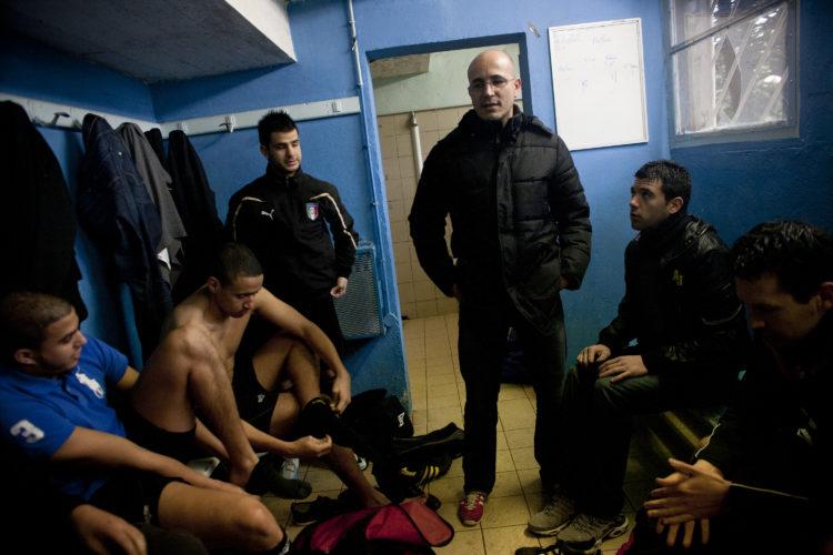 Hélène David | Gueule d'Hexagone — Seveso Football Club | 2011 | L'équipe 3 de l'Etoile Sportive Fossénne. Nordine Aïteur, ancien joueur pro entraîne l'équipe 3 depuis 5 ans.