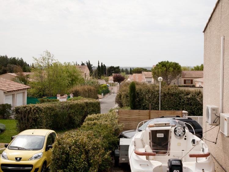 Giacomo Furlanetto | Caravan | 2013 | Sur le GR2013, étape 8 - 19 avril 2013 - de Salon-de-Provence à La Fare-les-Oliviers, à travers Pelissanne et Lançon-de-Provence.