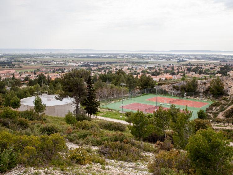 Sur le GR2013, étape 8 - 19 avril 2013 - de Salon-de-Provence à La Fare-les-Oliviers, à travers Pelissanne et Lançon-de-Provence.