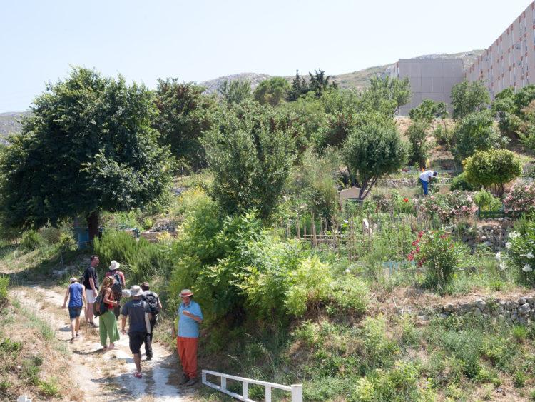 Giacomo Furlanetto | Caravan | 2013 | Sur le GR2013, étape 14 - 12 juillet 2013 - Marseille - de Mazargues à la Valentine.