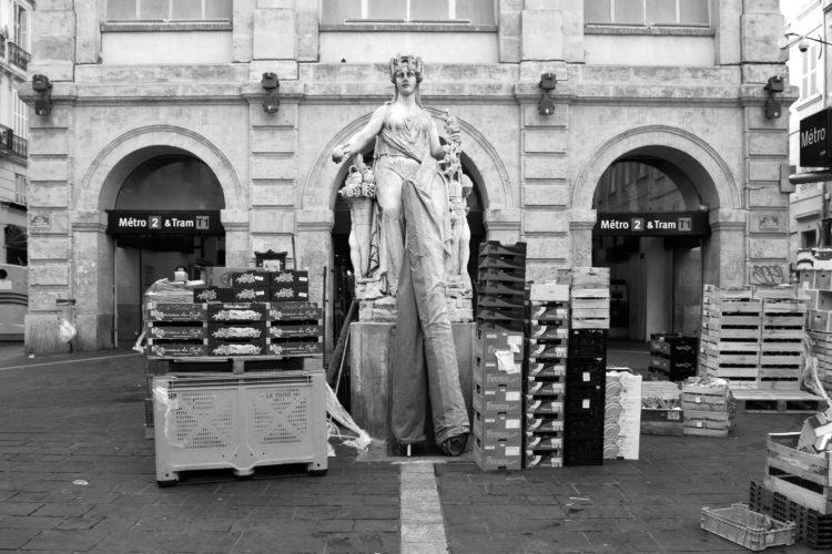 Emma Grosbois | 10 vues de Marseille, photographies véritables | 2018