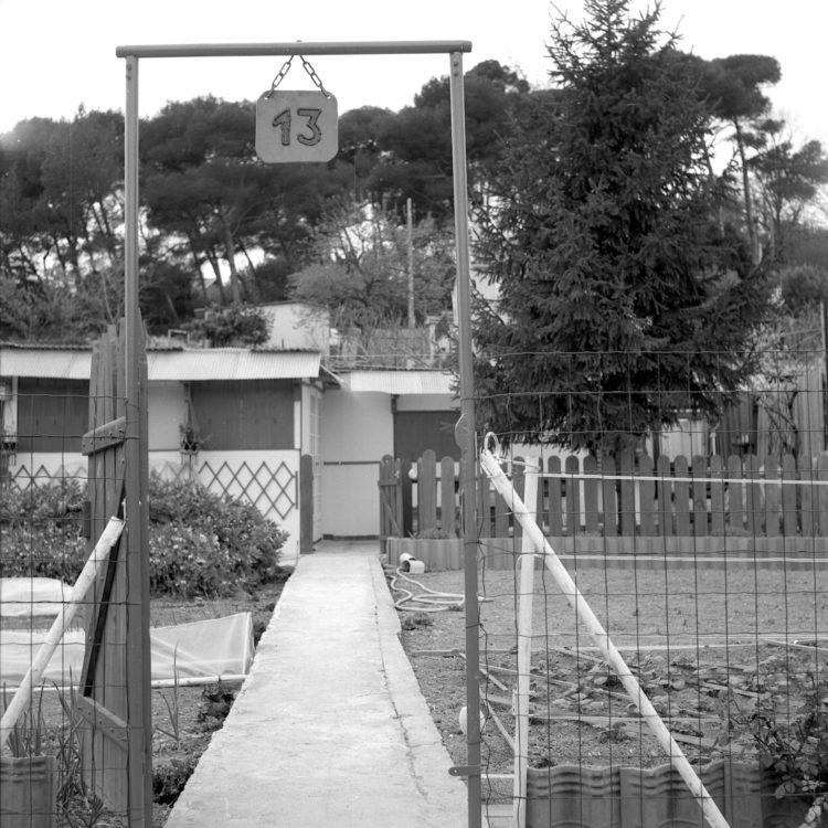 Anne Loubet   Les jardins ouvriers   1998-1999   PARCELLE DE MONSIEUR 13, JARDIN DU CASTELLAS AUX AYGALADES, MARSEILLE