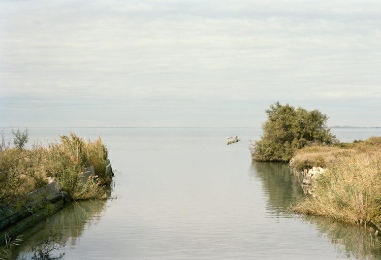 Thibaut Cuisset | Le pays clair, Camargue | 2011-2012 | Etang de Vaccarès, Saintes-Maries-de-la-Mer, 2011