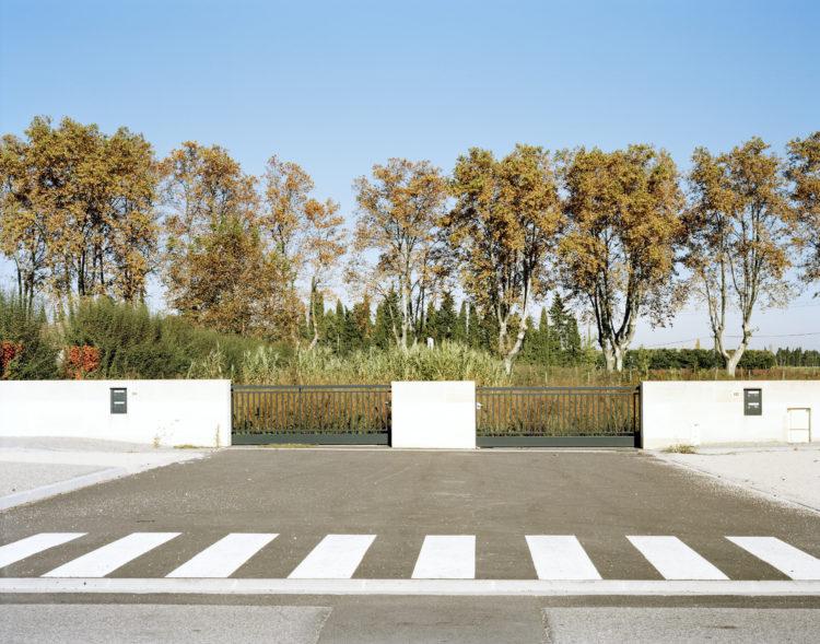 Pascal Grimaud | Le temps présent | 2013-2016 | LE TEMPS PRESENT, VILLAGES DANS LES BOUCHES DU RHONE EYGALIERES, FRANCE, 2015