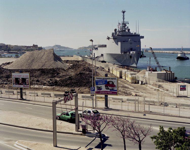 Port autonome, 2001