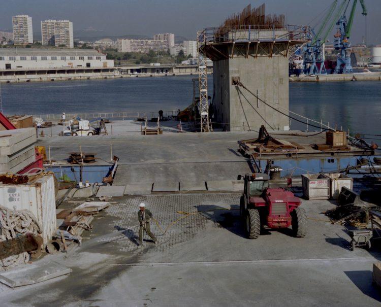Monique Deregibus | Hotel Europa | 2000-2003 | Port autonome, 2001
