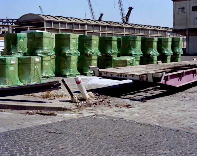 Monique Deregibus | Hotel Europa | 2000-2003 | Port autonome, 2000