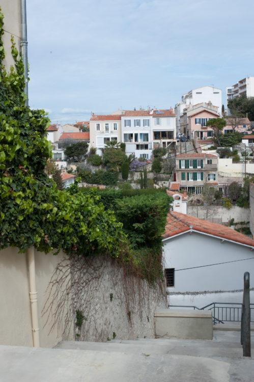 Anne Loubet | Marseille les collines | 2006-2020 | ESCALIERS AVEC VUE SUR LE VALLON JOURDAN, QUARTIER BOMPARD , MARSEILLE 7