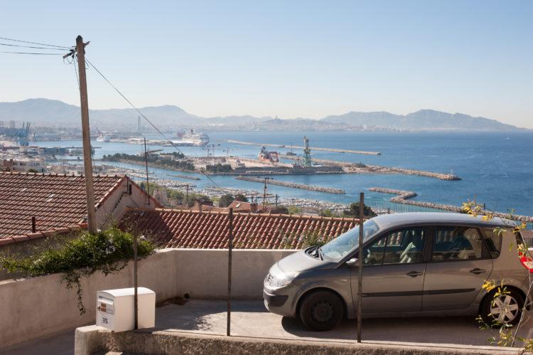 Anne Loubet | Marseille les collines | 2006-2020 | L'ESTAQUE VILLAGE, VUE SUR LE PORT DE SAUMATY , LES CROISIERISTES ET L'ANSE J4