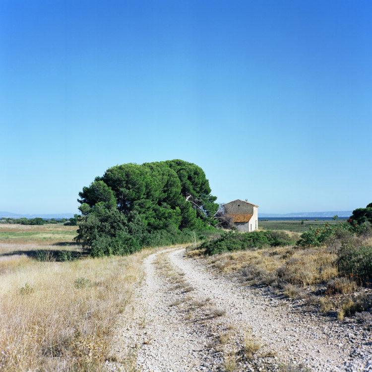 Sylvain Maestraggi | Suite départementale | 2012-2014 | Bâtiment abandonné, Petite Camargue, Saint-Chamas, 2012