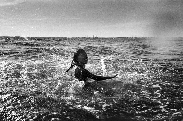 Franck Pourcel | La petite mer des oubliés – Habitat et modes de vie | 1996-2006 | Habitat et modes de vie | Étang de Berre, paradoxe méditerranéen