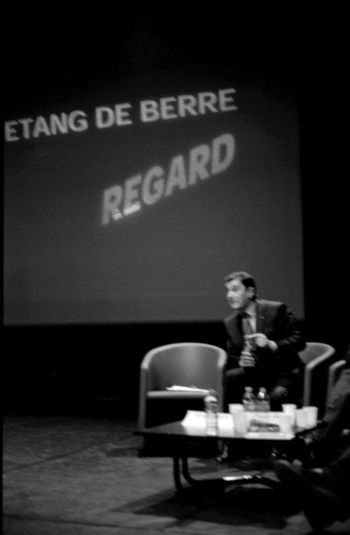 Franck Pourcel | La petite mer des oubliés – Luttes | 1996-2006 | Photographie en N/B d'une réunion et prise de parole
