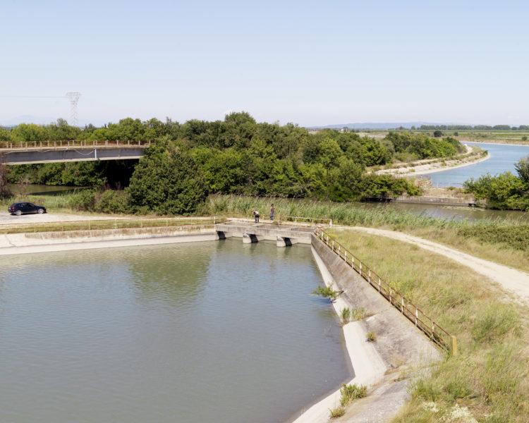 Bertrand Stofleth | Rhodanie | 2007-2015 | Rhodanie, Bellegarde, croisement du canal du Rhône à Sète et du canal d'irrigation Bas-Rhône