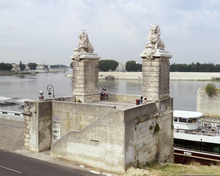 Bertrand Stofleth | Rhodanie | 2007-2015 | Rhodanie, Arles, Pont des Lions, vestige de l'ancien pont ferroviaire détruit en 1944.