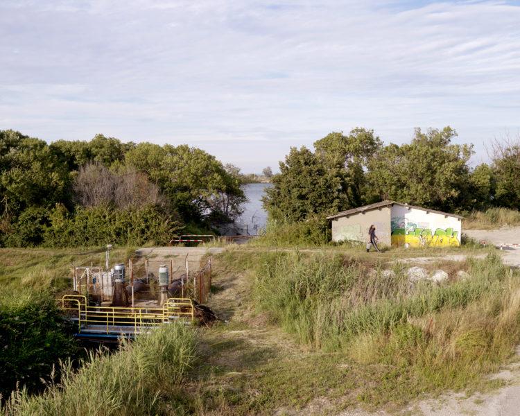 Bertrand Stofleth | Rhodanie | 2007-2015 | Rhodanie, salins de Giraud, station de pompage des eaux usées, ancien bac ferroviaire