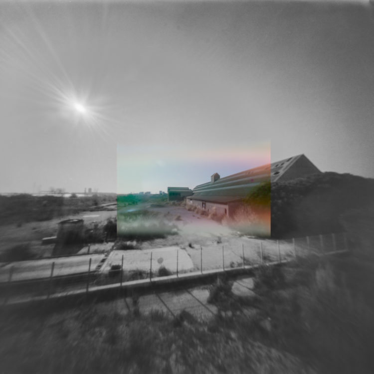Martial Verdier | Port-de-Bouc 150 ans – Archéologie d'une poétique de Port-de-Bouc | 2014-2016 | Port-de-Bouc Château Vidal, coté Total, l'usine