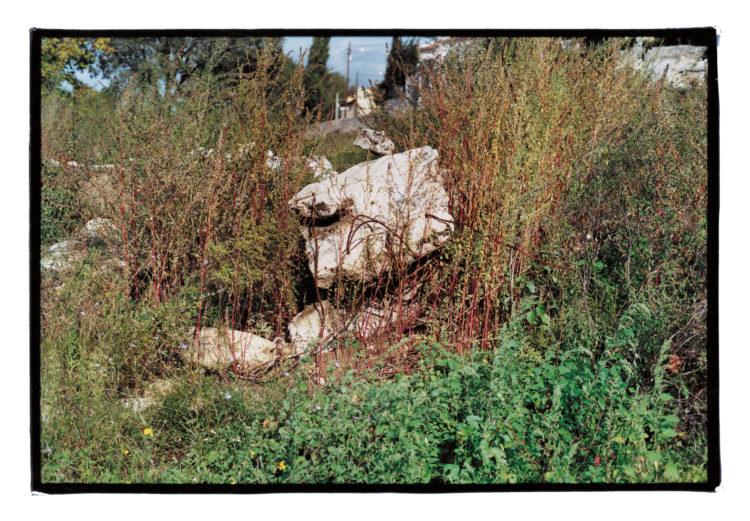Vincent Bonnet | Des concertations (les mains sur la ville) | 2002-2004 | Chemin de la Parette | Tranchée couverte | Rocade L2 Est | Saint-Jean du Désert | 10/2002