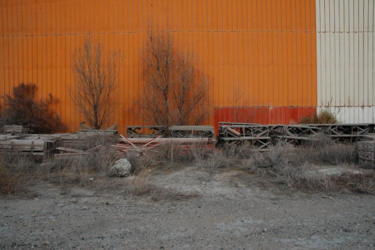 Christophe Galatry | Objets, répertoires et signes : Fos et Vitrolles | 2013 | Port minéralier Fos. Objets abandonnés.