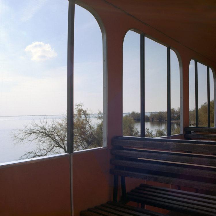 Suzanne Hetzel   7 saisons en Camargue   2013-2016   Train touristique, étang de Vaccarès, domaine Ricard, 2015