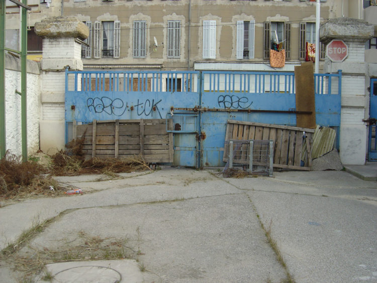 Laurent Malone | Habiter Marseille | 2003-2007 | Se protéger